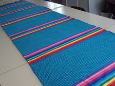 Loom Weaving, Hand Weaving, Beach Mat, Diy And Crafts, Craft Projects, Outdoor Blanket, Rugs, Carpets, Shawl
