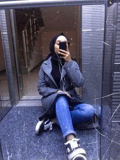 Casual Hijab Outfit, Ootd Hijab, Muslim Tumblr, Clueless Outfits, Fake Girls, Grunge Boy, Hijabi Girl, Muslim Hijab, Fake Photo