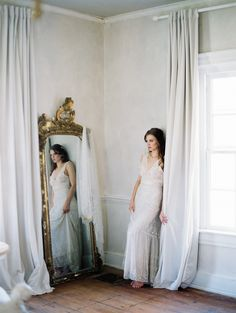 hen it comes to capturing dreamlike beauty, today's fine art boudoir evokes a feeling of romance and tells the tale of a bride before her walk down the aisle. Beautifully captured by Noel Per…