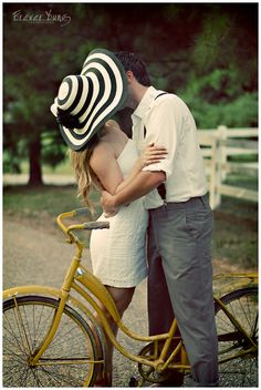 www.hollyyoungphotography.com  Engagement Photos Vintage