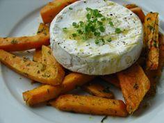Batátové hranolky s pestem z medvědího česneku a rozpečený camembert - tak trochu jiný smažák - Můj blond blog Camembert Cheese, Blog, Easy, Blogging