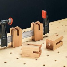 Clever solve for a common problem when working with clamps. I like how the notch means you can keep the pieces true. #WoodworkingTools