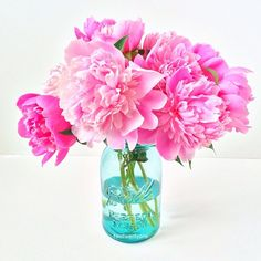Can't get enough pink-peony prettiness, especially in an aqua mason jar!