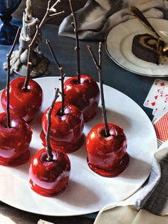 Poison apples for Halloween...think I'll add some edible red glitter too. Could also work for a Snow White themed party.