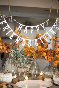 Friendsgiving decorations - Thanksgiving decorations diy - Friendsgiving party - Friendsgiving d Hosting Thanksgiving, Thanksgiving Parties, Thanksgiving Decorations, Thanksgiving Crafts, Halloween Decorations, Outdoor Thanksgiving, Christmas Decorations, Table Decorations, Pretty In Pink