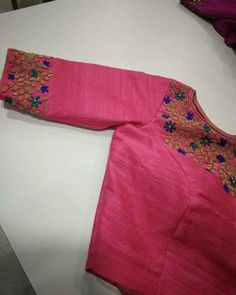 Shop for a variety of blouses in high neck, sleeveless, boat neck, sleeveless, embroidered & more online. Hand Work Blouse Design, Simple Blouse Designs, Stylish Blouse Design, Fancy Blouse Designs, Bridal Blouse Designs, Blouse Neck Designs, Kurta Designs, Kerala Saree Blouse Designs, Designer Blouse Patterns