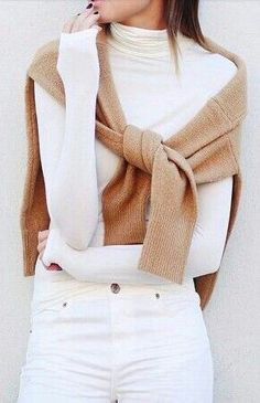 Last days of sweater weather. See you knits back in October. For now, we will crumple you up in a disorderly pile in the closet. Pretty Outfits, Winter Outfits, Work Outfits, Autumn Winter Fashion, Spring Fashion, Traje Casual, Ideias Fashion, Like4like, Fashion Outfits