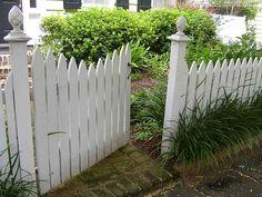 Charleston picket fence