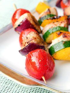 Grillspieße mit Hähnchen, Tomaten, Paprika und Zucchini - Gaumenfreundin.de Foodblog