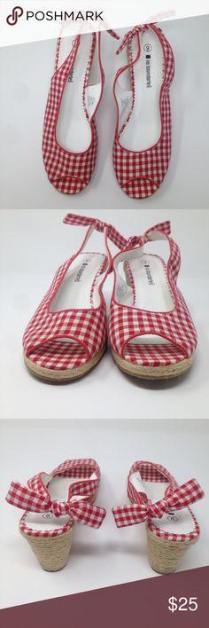 70a5e9281e38e No Boundaries Women Check  red White Wedge Sandal Details  Color  Red    White