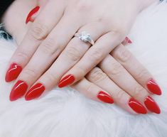 10 Synes godt om, 0 kommentarer – Box of beauty (@boxofbeautydk) på Instagram Round Shaped Nails, Om, Instagram Posts, Beauty, Round Wire Nails, Beauty Illustration