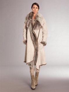Модные и стильные дубленки 2018 года на зиму на фото. Какие дубленки будут в моде зимой? Короткие и длинные, с капюшоном и без на фото.