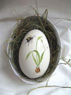Hand Painted Goose Egg ♥ Source: machlach at DaWanda