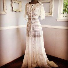 Antique Victorian Dresses