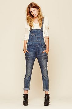 Meet Your Starter Overalls (& The Best Pair According To Math) #refinery29  http://www.refinery29.com/overalls#slide1