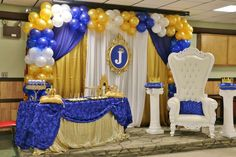 Bue and gold royal prince baby shower party! See more party planning ideas at… Baby Shower Azul, Royal Baby Shower Theme, Fotos Baby Shower, Baby Shower Chair, Royal Baby Showers, Baby Shower Photos, Baby Shower Princess, Baby Shower Balloons, Baby Shower Cakes