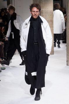Yohji Yamamoto Autumn/Winter 2017 Menswear Collection
