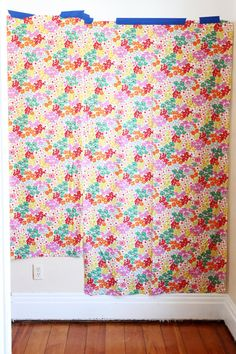 Hang fabric wallpaper DIY