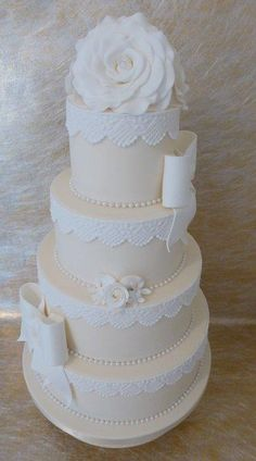 Beautiful+Wedding+Cake+-+Cake+by+Deborah