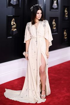 The stars turned it out on the Grammys' 2018 red carpet, sporting fun fashion statements. See the standout looks from Lady Gaga, Janelle Monáe, Lana Del Rey, Camila Cabello and Lana Del Rey Looks, Lana Del Rey Grammy, Lana Del Rey Concert, Lana Del Rey Lyrics, Celebrity Dresses, Celebrity Style, Lanna Del Rey, Lana Del Rey Outfits, Cristina Ferreira