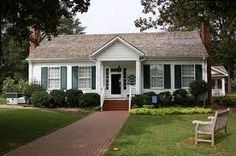 The Hellen Keller House-Offsite wedding location. To inquire for pricing on events at the Helen Keller house, call us today at 256-246-3609