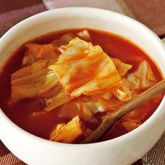 本格的に寒い季節が到来したことで、キャベツをよりおいしくいただけるようになりました。今回は、寒い日にぴったりなキャベツのスープを5つピックアップ。いまの時期のキ... Thai Red Curry, Cooking, Ethnic Recipes, Food, Baking Center, Kochen, Hoods, Meals, Cuisine