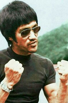Native American Images, Native American Indians, Bruce Lee Pictures, Bruce Lee Martial Arts, Mma, Romantic Comedy Movies, African Royalty, Martial Arts Movies, Adventure Movies