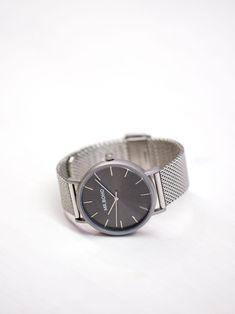 Boho silver watch with black dial. Designed in Spain. Daniel Wellington, Metallica, Spain, Watches, Unisex, Boho, Retro, Classic, Silver