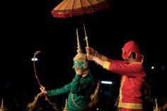laos-luang-prabang-song-nam-phra-ramayana-umbrella-photo-by-cyril-eberle-CEB-7904.jpg