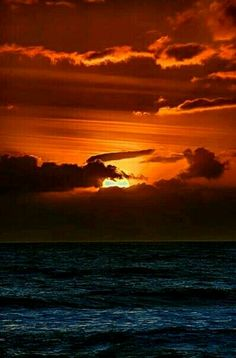 Red Sunset, Ocean Sunset, Beautiful Moon, Beautiful Sunrise, Amazing Sunsets, Amazing Nature, Nature Pictures, Beautiful Pictures, Sky View