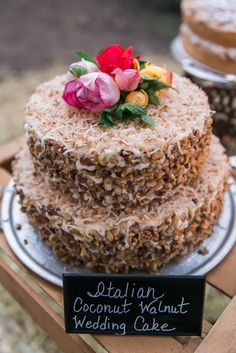 Handmade cakes by Lisa Classon for a backyard wedding. Blog post by The Tin Thimble. Photo by Ryan Greenleaf Photography