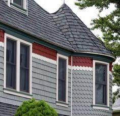 Remodel/Upgrade discuss on value of siding replacement for resale Wood Siding House, Wood Shingles, House Paint Exterior, Exterior Paint Colors, Vinyl Siding, Mid Century Exterior, Manufactured Home Remodel, Tudor Style Homes, Build Your Own House