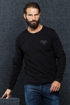 """Sweater Vittor Faria Dupla face  Fit: Vestir Regular  Pormenor: malha de dupla face  Manga: Manga Comprida Padrão: Jersey  """"canelado denim"""" Detalhes: Personalizado com a marca VF"""