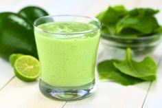 Coole Chlorella Smoothie: Begin je dag met deze supergezonde smoothie. Vol groene energie en heerlijk romig van smaak!