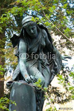 """Laden Sie das lizenzfreie Foto """"Friedhofsstatue #1344"""" von jrgn_flow zum günstigen Preis auf Fotolia.com herunter. Stöbern Sie in unserer Bilddatenbank und finden Sie schnell das perfekte Stockfoto für Ihr Marketing-Projekt!"""