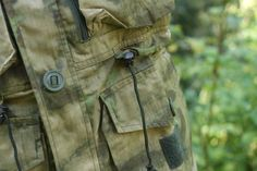 Para Smock A-tacs FG od firmy Invader Gear je maskáčová bunda vhodná na celoročné nosenie. Bundu robí charakteristickou hlavne jej obsiahnutý  http://www.armyoriginal.sk/2883/133492/para-smock-a-tacs-fg-invader-gear.htmlpočet vreciek.