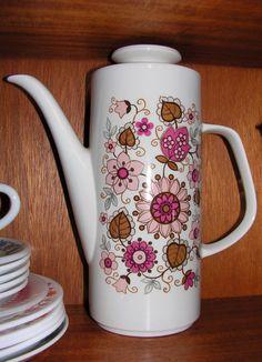 Meakin - tea pot / coffee pot - really pretty!