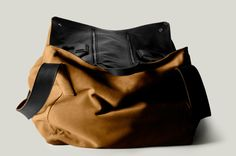 Square1 Holdall / Campfire / © hard graft ® MMXI / All rights reserved
