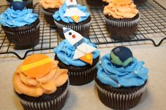 Spaceship cupcakes (rocket ship, planet and Earth) - 06-24-11