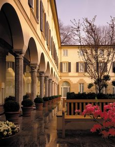 Four Seasons, Milan. Courtyard.