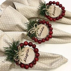 Blue Christmas Decor, Indoor Christmas Decorations, Christmas Ornament Crafts, Farmhouse Christmas Decor, Noel Christmas, Rustic Christmas, Holiday Crafts, Christmas Wreaths, Box Noel