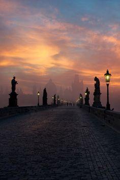 The rarely deserted Charles Bridge of Prague, Czech Republic /// #travel #wanderlust