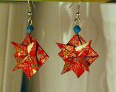 Boucles d'oreilles Shurikens rouges en origami (papier Washi) : Boucles d'oreille par phenix-design