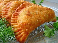From Russian cuisine: Recipe No. 22 - Tschebureki - From Russian cuisine: Recipe No. Russian Pastries, Russian Dishes, Russian Recipes, Beignets, Seafood Dishes, Saveur, Unique Recipes, Winter Food, Snacks
