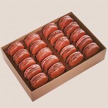 Macarons Jean-Paul Hévin - Coffrets Macarons Total cacao composé de 20 macarons tout chocolat, parmi les meilleurs macarons de Jean-Paul Hévin.  Un coffret raffiné et élégant, idéal pour les amateurs de chocolat.  Assortiment composé des macarons suivants : Super Amer, Sao Tomé et Pérou de Puira.
