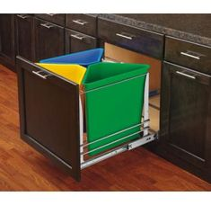 Rev-A-Shelf Garbage Cans, Trash Cans & Recycle Bin Recycling Center Recycling Containers, Recycling Bins, Garbage Recycling, Kitchen Pantry Storage, Kitchen Organization, Kitchen Waste, Chef Kitchen, Kitchen Nook, Kitchen Things