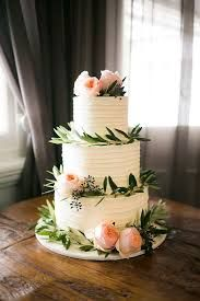This wedding cake would be perfect for spring!