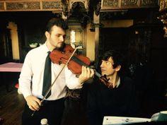 Complicité entre Loan Cazal (à l'alto) et Clément Pataud (au piano), nos deux artistes de La Pochette Musicale Scènes de la Forêt