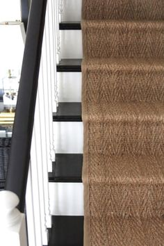 Good Pics seagrass Carpet Stairs Thoughts Among the fastest methods to revamp your tired old staircase is always to cover it with carpet. Oak Stairs, Basement Stairs, Basement Carpet, Hallway Carpet Runners, Cheap Carpet Runners, Stair Runners, Best Carpet, Diy Carpet, Colores Paredes