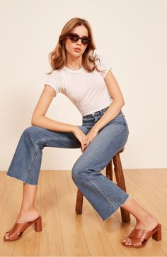 These are the sustainable jeans your butt prefers. Shop the Fawcett Jean, a high rise, rigid jean. Fitted in the hip and butt with a wide, cropped leg. Fashion Over 40, 80s Fashion, Fashion Photo, Spring Fashion, Only Jeans, Mom Jeans, 90s Outfit, Denim Branding, Urban